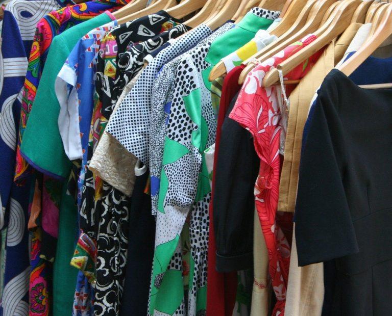 おうち時間が長い今がチャンス!不要な洋服をすっきり片付けるコツ